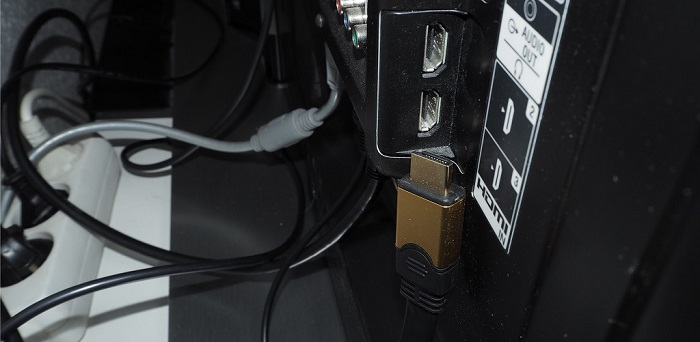 HDMI cable and port