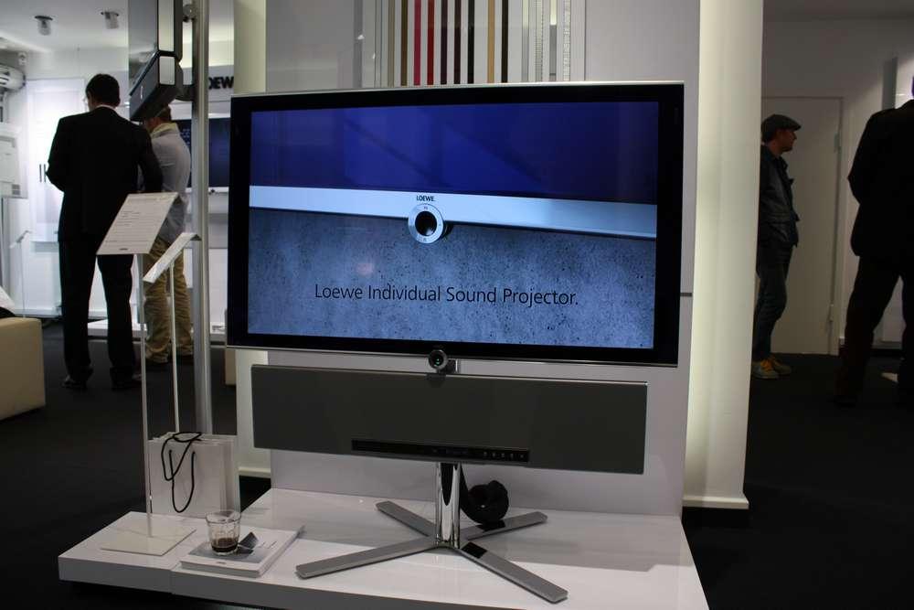 det nye loewe individual slim indtryk flatpanelsdk. Black Bedroom Furniture Sets. Home Design Ideas