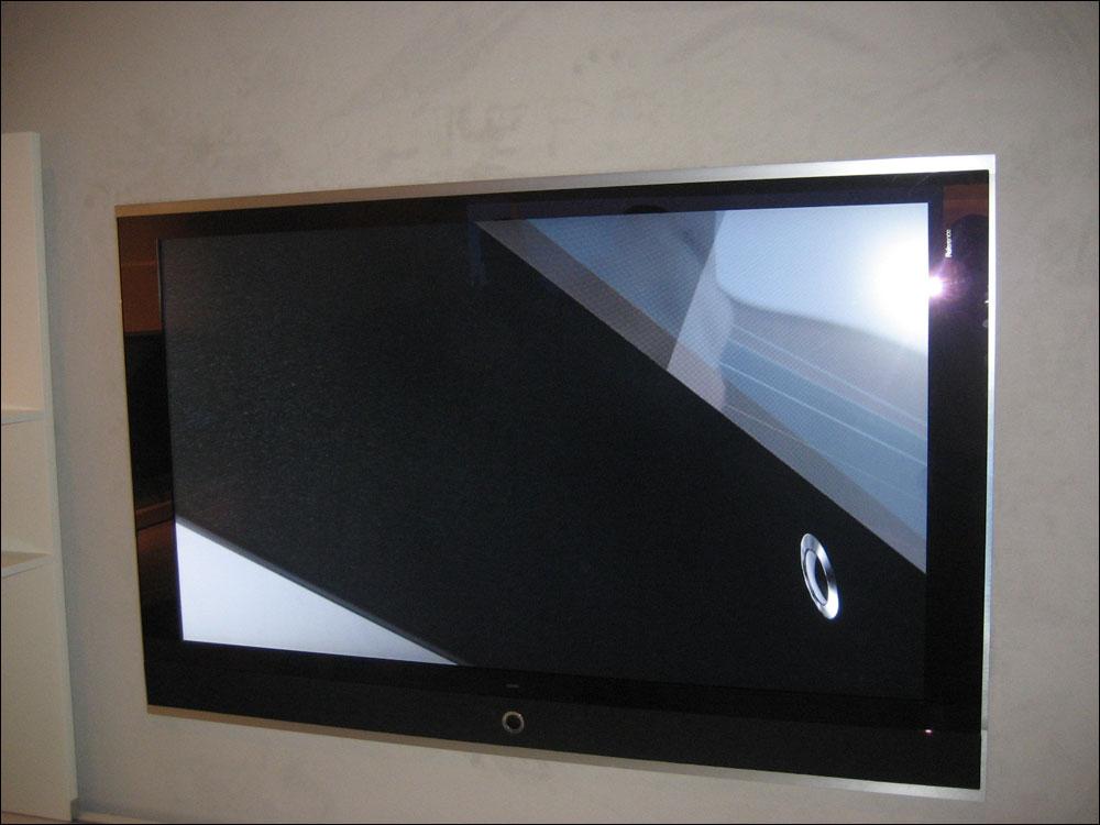 ifa 2008 loewe reference i 52 70 tommer flatpanelsdk. Black Bedroom Furniture Sets. Home Design Ideas